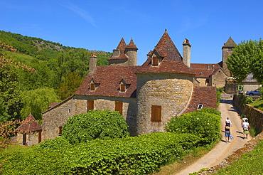 Townscape, Autoire, labelled as a Les Plus Beaux Villages de France or The Most Beautiful Villages of France, Midi-Pyrenees Region, Lot Department, France, Europe