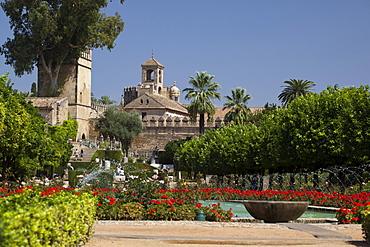 Garden and tower Torre de los Leones, Alcazar de los Reyes Cristianos, Alcazar Viejo, Cordoba, Andalusia, Spain, Europe