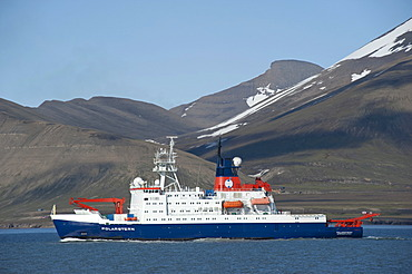 German research icebreaker Polarstern, operated by the Alfred Wegener Institute for Polar and Marine Research, Isfjorden, Spitsbergen, Svalbard, Norway, Europe