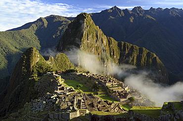 Inca ruins of Machu Picchu in the Andes, UNESCO World Heritage Site, Urubamba Valley, near Cusco, Cuzco, Peru, South America