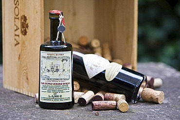 High-quality vinegar from Italy with wine corks