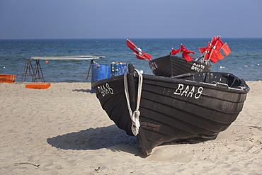 Old fishing boat on the beach of Baabe, Ruegen Island, Baltic Coast, Mecklenburg-Western Pomerania, Germany, Europe