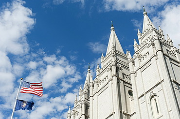 Church of Jesus Christ of Latter Day Saints, Mormons, Salt Lake Temple, national flag and flag of the State of Utah, Capitol Hill, Salt Lake City, Utah, Western United States, USA, United States of America, North America