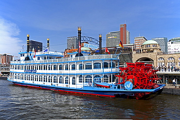 Paddle steamer, Landungsbruecken piers, Hamburg, Germany, Europe