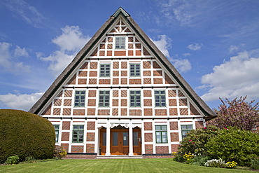 Half-timbered house, Jork, Altes Land fruit-growing region, Lower Saxony, Germany, Europe, PublicGround