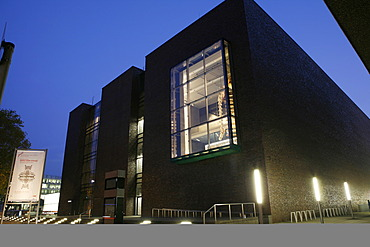 Rautenstrauch-Joest-Museum, at the blue hour, Cologne, North Rhine-Westphalia, Germany, Europe