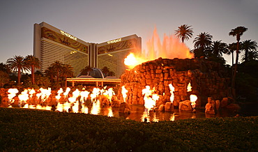 Night scene, show, artificial volcanic eruption in front of The Mirage, luxury hotel and casino, Las Vegas, Nevada, United States of America, USA, PublicGround