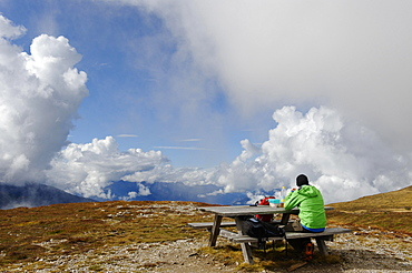 Picnic at the summit of Mount Col de Le, Col da Le, Gadertal, South Tyrol province, Trentino-Alto Adige, Italy, Europe