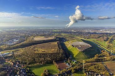 Slag heaps and Wehofen landfill, behind Dinslaken, Ruhr district, North Rhine-Westphalia, Germany, Europe