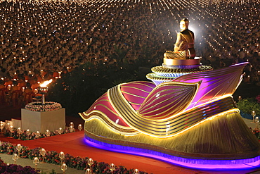 Wat Phra Dhammakaya temple, Golden statue of Phra Mongkol Thepmuni, Phramongkolthepmuni, Khlong Luang District, Pathum Thani, Bangkok, Thailand, Asia