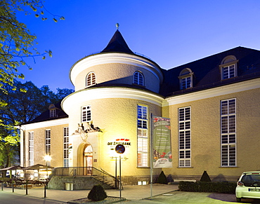 Concert hall on the Hauptallee in the spa district, today also home of the Spielbank, Bad Pyrmont, Lower Saxony, Germany, Europe