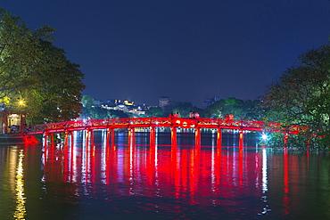 The Huc Bridge to Ngoc Son Temple, Hoan Kiem Lake, Hanoi, Vietnam, Asia