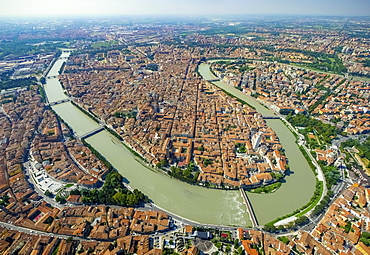 City view, Adige River, river bend, Province of Verona, Veneto, Italy, Europe
