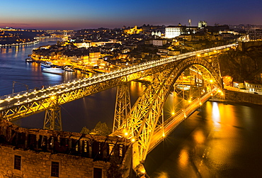 Bridge, arch bridge Ponte Dom Luis I over the Douro, Night Scene, Porto, Portugal, Europe