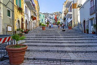 Treppenaufstieg, Scalinata di San Nicola, Altstadt, Trivento, Molise, Italien
