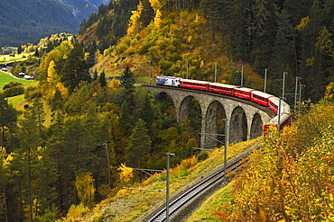 Rhaetian Railway, Schmitten-Tobel Viaduct, Filisur, Graubünden Canton, Switzerland, Europe