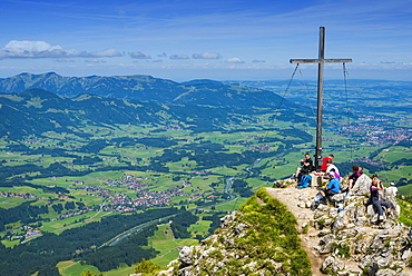 Hikers at the summit, view from Rubihorn, 1957 m, Iller Valley, Allgau, Bavaria, Germany, Europe