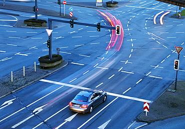 Evening car traffic, Alter Markt, Wuppertal, Bergisches Land, North Rhine-Westphalia, Germany, Europe