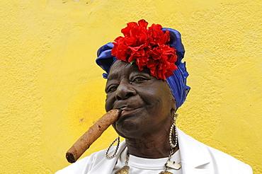 Woman with a cigar, Havana, Ciudad de La Habana, Cuba, Central America