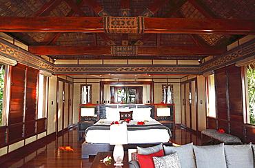 Interior of a luxury bure, traditional Fijian cottage made of wood and straw, Malolo Island, Mamanuca Islands, Fiji, Oceania