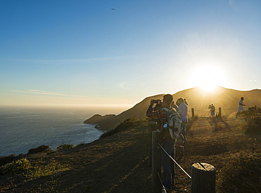 Tourists at a viewpoint, San Francisco, California, USA, North America