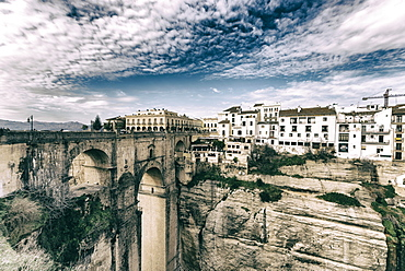 El Tajo gorge and the Puente Nuevo in Ronda, overlooking the new district, El Mercadillo, Malaga, Andalusia, Spain, Europe