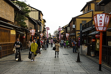 Pedestrian zone in the Geisha quarter of Gion, Kyoto, Japan, Asia