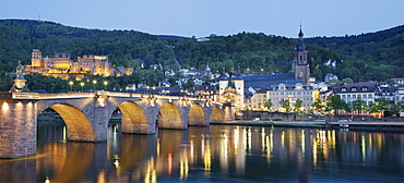 Alte Brucke bridge, Heidelberg Castle and River Neckar, Heidelberg, Baden-Wurttemberg, Germany, Europe