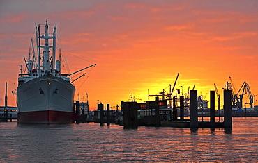 Cap San Diego, museum ship, Hamburg harbour at sunrise, Hamburg, Germany, Europe