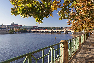 View over the Vltava River to Charles Bridge and Hradcany, Castle District, with St. Vitus Cathedral, Prague, Bohemia, Czech Republic, Europe
