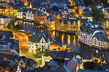 Town centre of Alesund from Aksla hill, Alesund, More og Romsdal, Western Norway, Norway, Europe
