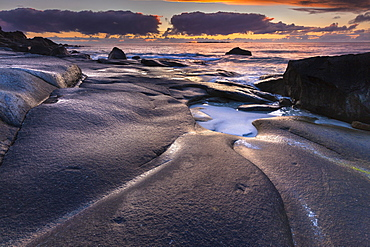 Evening mood on the coast near Utakleiv, Vestvagoya, Lofoten, Nordland, Norway, Europe