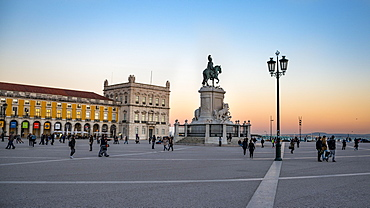Horseman statue of King Jose I at sunset, Praca do Comercio, Baixa, Lisbon, Portugal, Europe