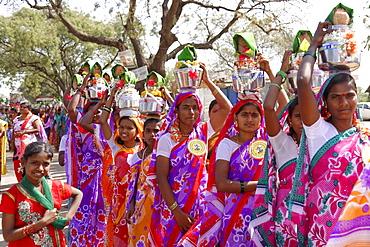 Indian women at a parade, Ron, Karnataka, South India, India, Asia