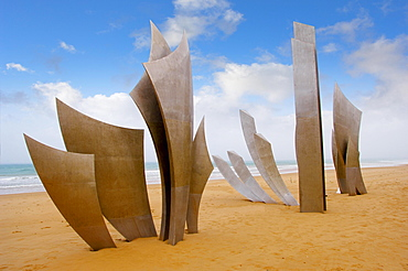 "The Polynational Second World War memorial """"Les Braves"""" by Anilore Banon, 2004, Omaha Beach, Laurent-sur-Mer, Normandy, France, Europe"
