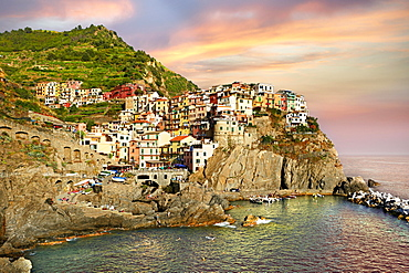 Fishing port of Manarola in the evening, Manarola, Cinque Terre National Park, Liguria, Italy, Europe
