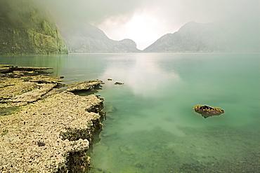 Crater lake of Kawah Ijen, Kawah Ijen, Jawa Timur, Java, Indonesia, Asia