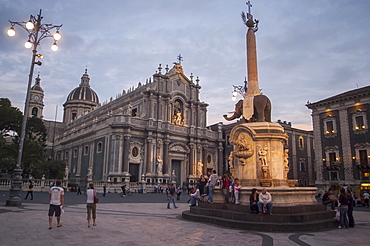 Catania Cathedral and the Fontana dell'Elefante fountain, Catania, Sicily, Italy, Europe