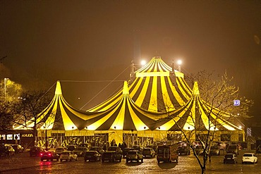FlicFlac circus tent, FlicFlac Christmas Circus, premiere of Schrille Nacht, eilige Nacht, Westfalia Hall, Dortmund, North Rhine-Westphalia, Germany, Europe