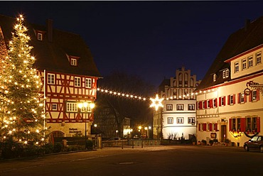 Christmas lighting in Vellberg with the town hall and the castle, Buehlertal, Hohenlohe, Swabian-Franconian Forest, Baden-Wuerttemberg, Germany, Europe