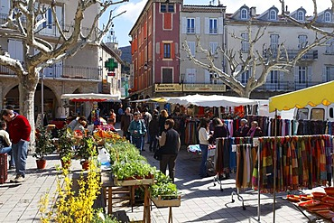 Market in Nyons, Departement Drome, France, Europe
