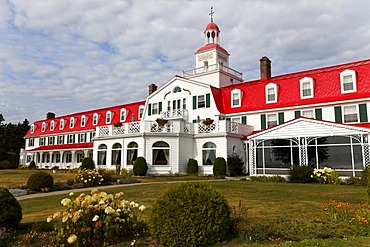 Hotel Tadoussac from 1865 on the estuary of Saguenay Fjord to Saint Lawrence River, Tadoussac, Canada, North America