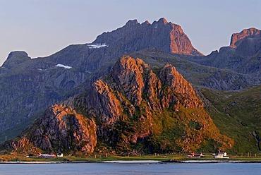 Mountains, Vareid, Fredvang, island of Flakstadoya, Flakstadoya, Lofoten archipelago, Nordland, Norway, Europe