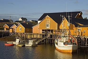 Boats in the harbor of SorvÂgen, Sorvagen, island of Moskenesoy, Moskenesoy, Lofoten archipelago, Nordland, Norway, Europe