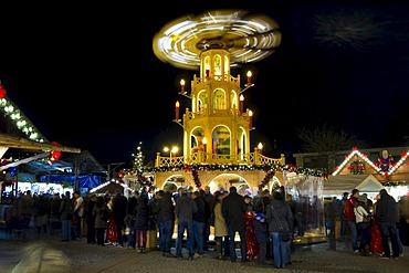 Christmas pyramid, Christmas market in Bruchsal, Baden-Wuerttemberg, Germany, Europe