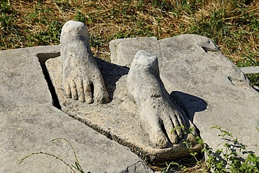 Feet, remains of a Kouros, excavations of the Heraion or sanctuary to the goddess Hera, UNESCO World Heritage Site, Samos island, southern Sporades, Aegean sea, Greece, Europe