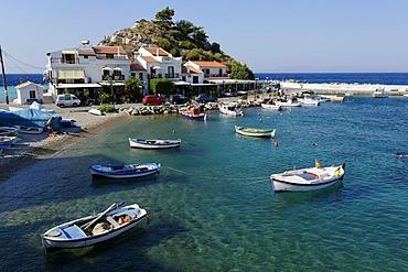 Boats off Kokkari, Samos island, southern Sporades, Aegean sea, Greece, Europe
