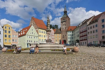 Hauptplatz square, Marienbrunnen fountain and Schmalzturm tower, Landsberg am Lech, Bavaria, Germany, Europe
