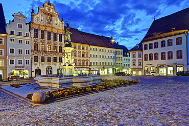 Main square with Marienbrunnen fountain at dusk, Landsberg am Lech, Bavaria, Germany, Europe