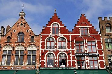 Houses, market square, Bruges, a UNESCO World Heritage site, West Flanders, Flemish Region, Belgium, Europe